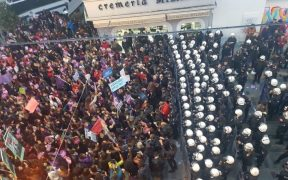 İstanbul police stifle Women's March 28