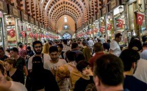 Hunger line reaches minimum wage in Turkey 27