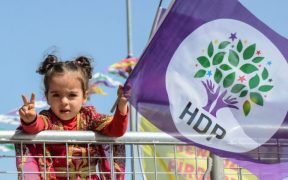 Erdoğan threatens HDP municipalities with more trustees 30
