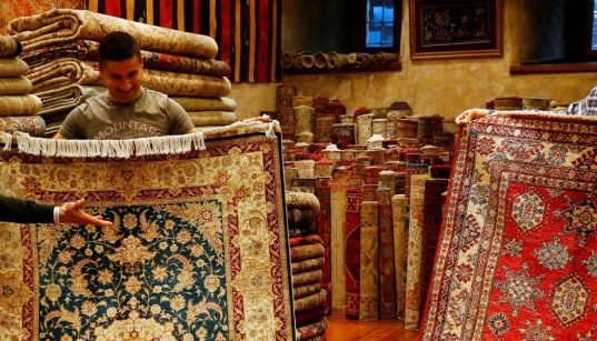 Turkey's economic crisis crushes famed carpet industry 44