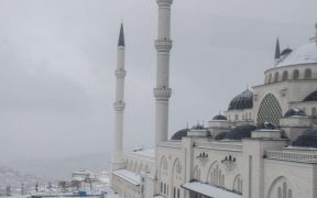 Turkey's Islamic groups stuck in the past 21