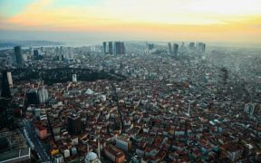 One third of İstanbul buildings can't withstand an earthquake: mayor 22