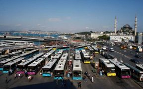 Istanbul on brink of bankruptcy 28