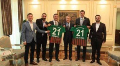 New İstanbul mayor welcomes prominent Kurdish football team 29
