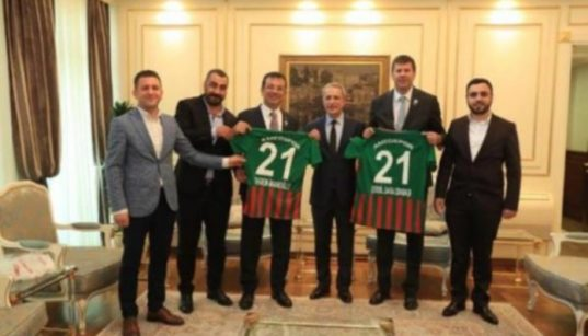 New İstanbul mayor welcomes prominent Kurdish football team 21