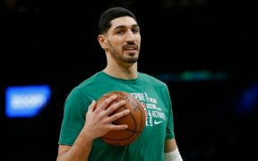 Enes Kanter believes speaking out about Turkey helped free his father there 20