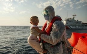 Migrants accuse Greece of pushing them back out to sea 23