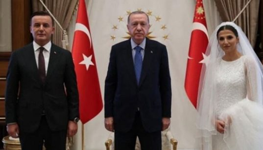 Public prosecutor's wedding day visit to Erdoğan with bride sparks controversy 37