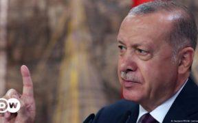 Turkey's Recep Tayyip Erdogan cracks down on pro-Kurdish politicians 24