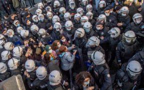 Erdogan seizes on student protests to further polarize Turkey 20