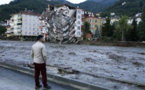 Anger builds in Turkey's Black Sea region as flash floods kill at least 44 19