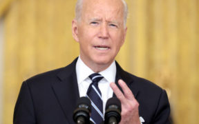 Biden sees 'chaos' as US pressures Taliban to let Afghans leave