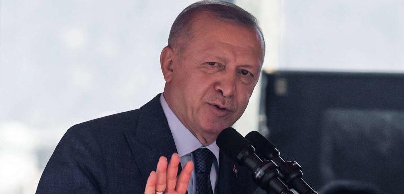 En Turquie, Recep Tayyip Erdogan accentue sa pression sur les médias