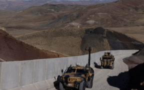 Iraq seeks to attach strings to arms purchases from Turkey
